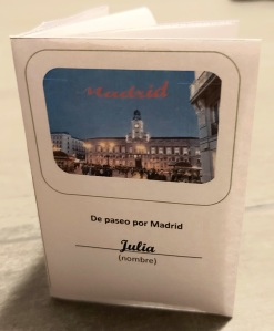 Foto eines Buddy Books mit Bild und Schriftzug von madrid.